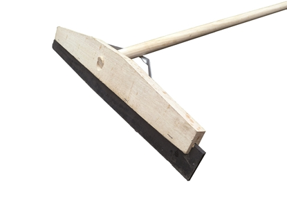 Picture of 600mm wide Rubber Squeegee with Handle